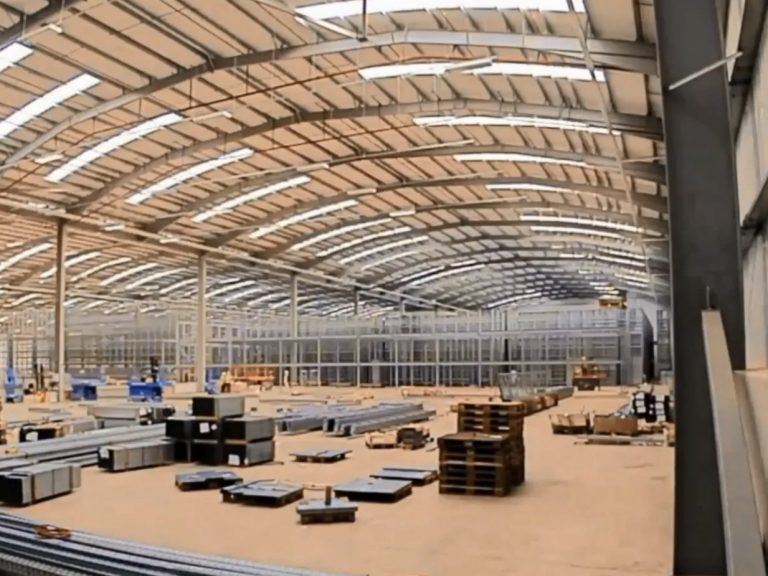 wiggle logistics warehouse
